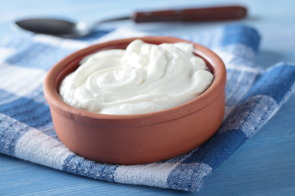 greek-yogurt-in-bowl